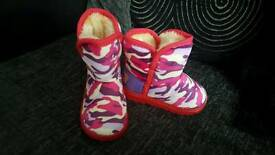 New girls snow boots