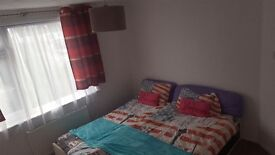 Double room excellent location all bills inclusive