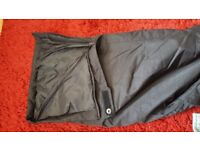 Ladies black size 16 ski trousers cold weather trousers with detatchable straps