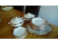 Vintage Till & son, Gillson Ware Dinner Service