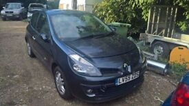 breaking renault clio mark 3 dark grey all parts available