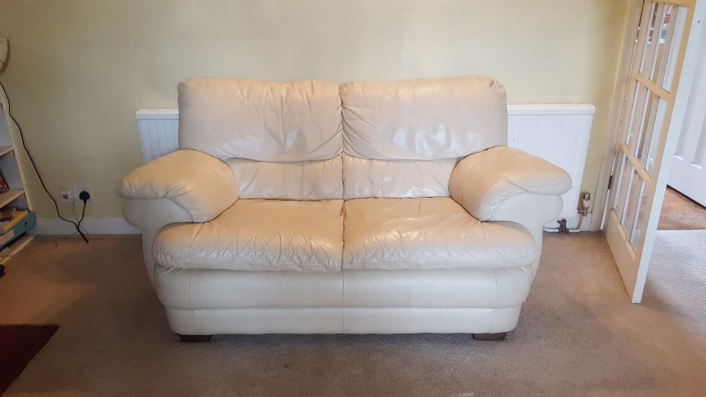 Chateau Dax Furniture Reviews: Chateau D'ax Spa Cream Leather Sofa