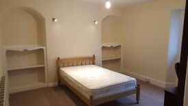 Large double room for rent PL1