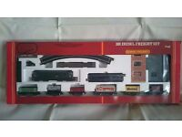 Hornby R537 BR Diesel Freight Model Train Set