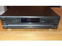 Compact Disc Changer/CD Player Technics 5 Disc SL-PD687