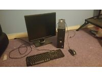 Dell Optiplex 780 desktop computer with moniter - windows 7