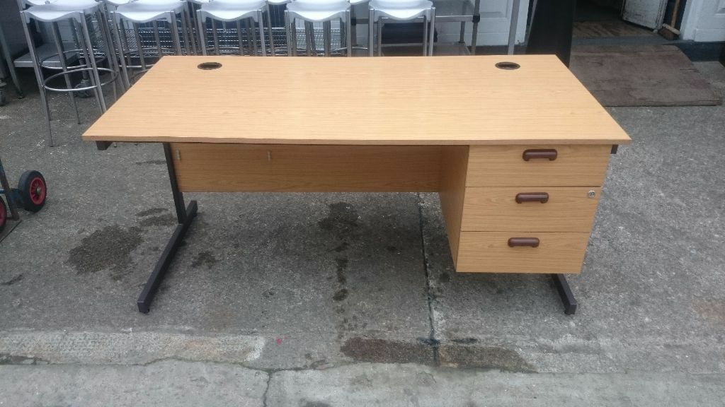 CHEAP office desksin Clapham, LondonGumtree - For sale large selection of office desks, used but good clean condition. Included 1 under desk mounted pedestal draw unit. Very sturdy construction, finished in Light Oak wood effect. Size 160 cm wide x 80 cm deep x 72 cm high. £65 each. Can be...