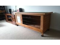 Large Wooden Rabbit Hutch- looks great and excellent quality