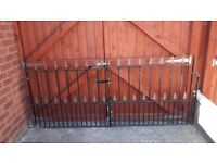 Used metal driveway gates
