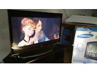 "32"" Samsung smart TV,Stand,Bouncer,Car seat"