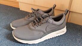 Nike Air Max Thea, Size: 5.5 UK / 39 EU