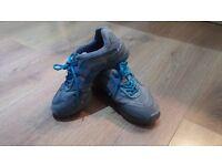 Ladies Capezios Dance Shoes Size 4.