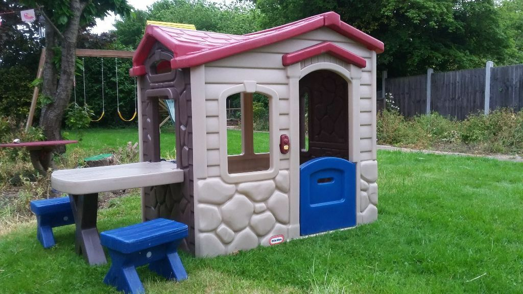 Sold Little Tikes Picnic On The Patio Playhouse Wendy