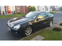 2005 MERCEDES BENZ C180SE C CLASS SPORT, ONLY 70K, FSH WITH 10 STAMPS. FULL MOT!!