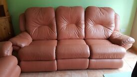 3 seater reclining leather sofa and reclining chair in excellent condtion