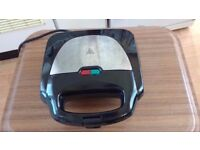 Stainless Steel Sandwich Toaster - NEW