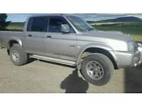 L200 4x4 pick up truck