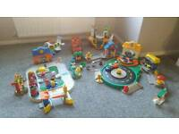 Bundle of fisher price little people toys