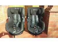2 x Maxi Cosi Axiss swivel car seats