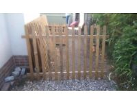 Brand new elite profiled wooden tantalised fencing and gates – BARGAIN PRICE