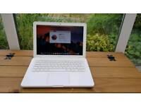 """Apple Macbook 2010 13"""""""