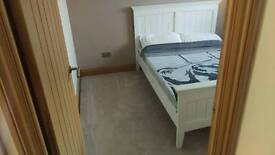 Double room to rent in Shenley church end.