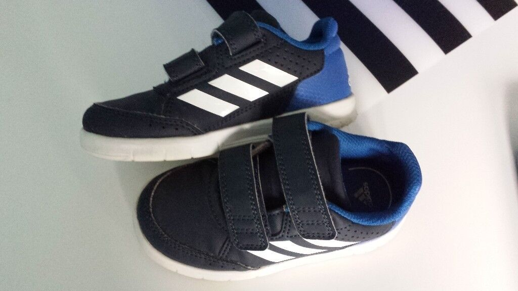 kids adidas trainers size 8