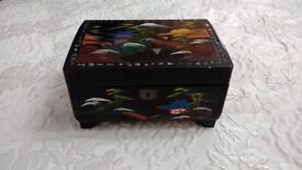 VINTAGE 1940 JAPANESE LACQUERED JEWELLERY/MUSIC BOX