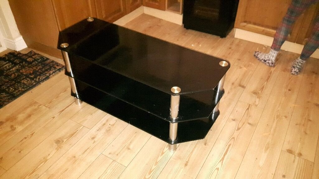 Excellent condition TV unit. No visible marks or scratches