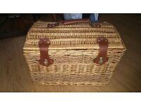 Wicker Picnic basket/Storage box