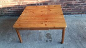 IDEAL FOR FAMILY XMAS LARGE PINE COFFEE TABLE WITH DRAWER