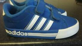 Kids Adidas trainers Size 9 1/2