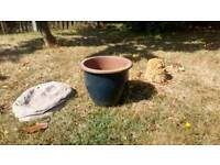 Large plant pots/snail/dinausaur footprint stepping stone