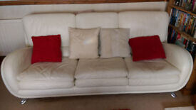Stunning white leather 3 seater settee.