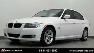 2011 BMW 3 Series xDrive 328i cuir mags toit ouvrant
