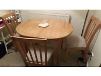 Extendable table and 3 chairs