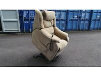 Immaculate Condition Parker knoll Denver Armchair rise & recline dual motor RRP £1200