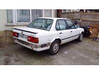 BMW ,e30 318i white 4 door breaking for parts