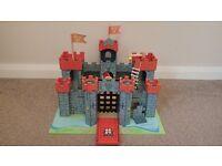 Le Toy Van Red Lionheart Castle