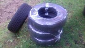 Set of 4 Snow Tyres 185/60/15.