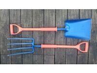 Carters Shocksafe shovel and gripe