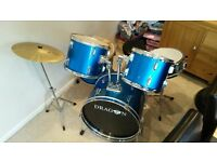 Full Dragon Drum Kit with extras - Excellent condition. Great Christmas Present