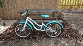 Girl's bike suitable for 6-9