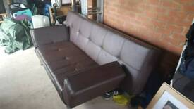Brown leather look bed sette