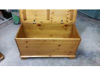 Pine Storage Box Bedding/toys