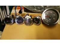 5 Yamaha clocks