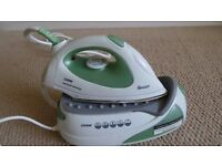 Large Tank Steam Iron Swan 2200W