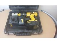 Dewalt 18v hammer drill with site charger