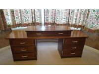 LARGE DRESSING TABLE / CHEST OF DRAWS IN GOOD USED CONDITION FREE LOCAL DELIVERY 07486933766