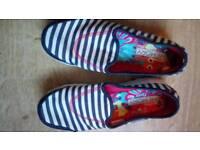 Sketchers memory foam deck shoes/pumps - size 41